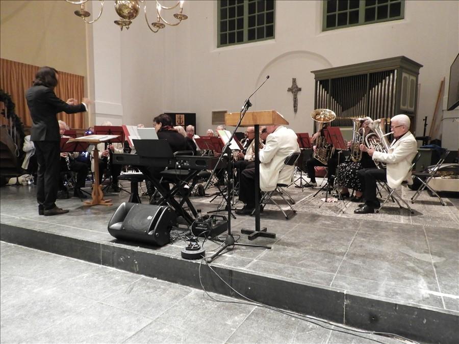 2019-12-24-Kerstavond-in-Westzaan-Dagorkest-Zaanstreeek-Waterland-12