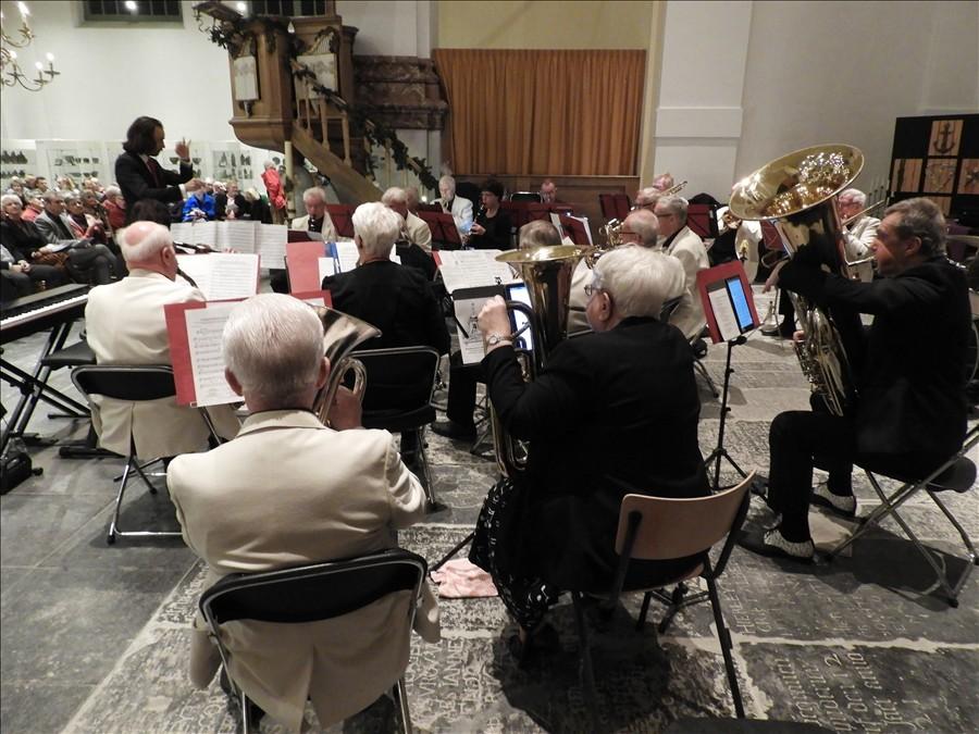 2019-12-24-Kerstavond-in-Westzaan-Dagorkest-Zaanstreeek-Waterland-13